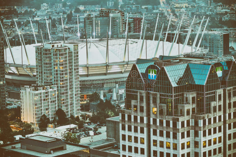 Vue aérienne des gratte-ciel de Vancouver et du stade, Canada image stock