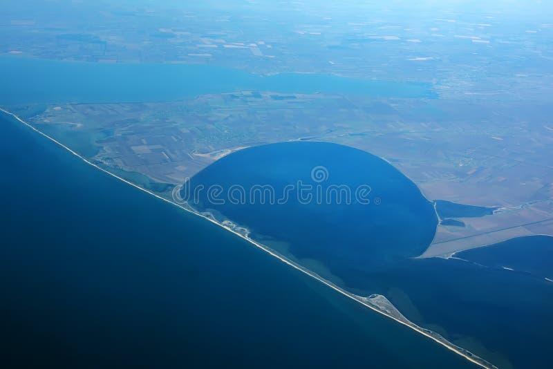 Vue aérienne des steppes côtières de la Mer Noire et de la Mer Noire l'ukraine Broche en Mer Noire photos stock