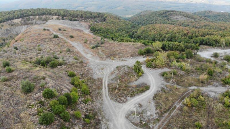 Vue aérienne des voies de montagne image stock