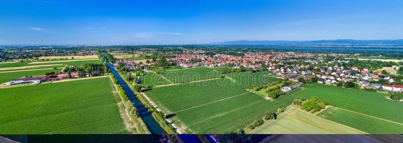 Vue aérienne du canal du Rhône - du Rhin en Alsace, France photos libres de droits