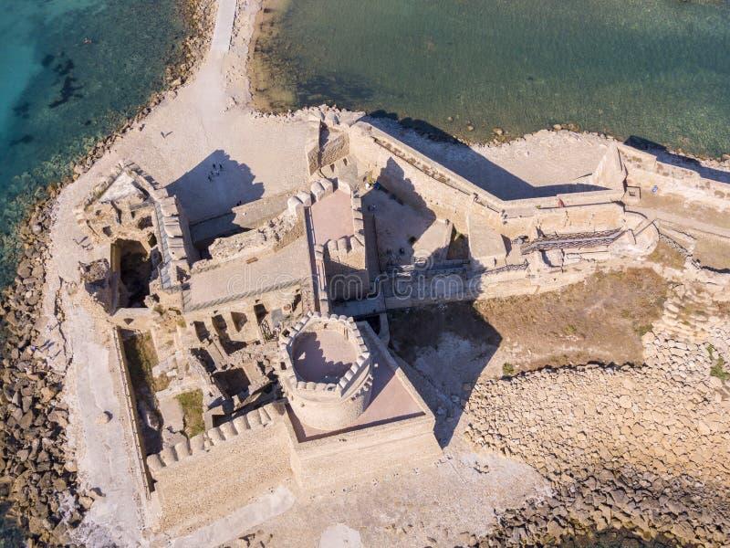 Vue aérienne du château d'Aragonese de Le Castella, Le Castella, Calabre, Italie photos stock