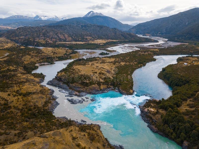 Vue aérienne du confluent de deux rivières photo libre de droits