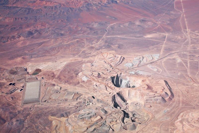 Vue aérienne du mien de cuivre à ciel ouvert dans Atacama photos libres de droits