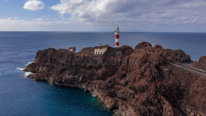 Vue aérienne du phare Teno sur le Ténérife, Îles Canaries images libres de droits