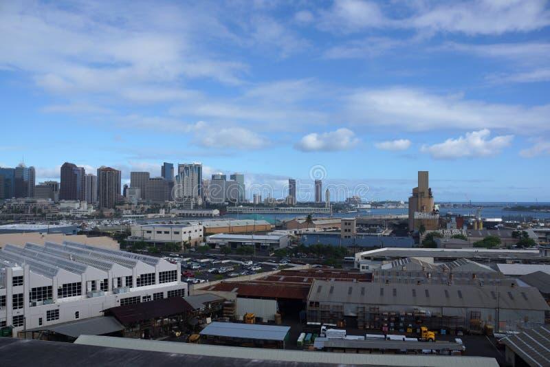 Vue aérienne du port de Honolulu et de l'horizon du centre photographie stock libre de droits