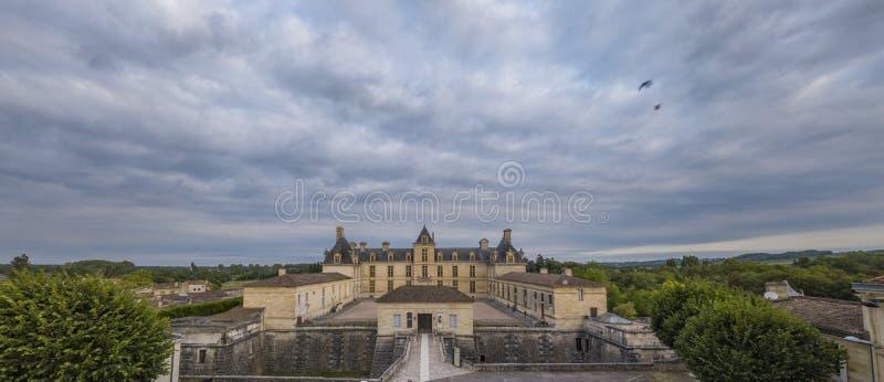 Vue aérienne, France, le château de la Renaissance, Cadillac en Gironde photo stock