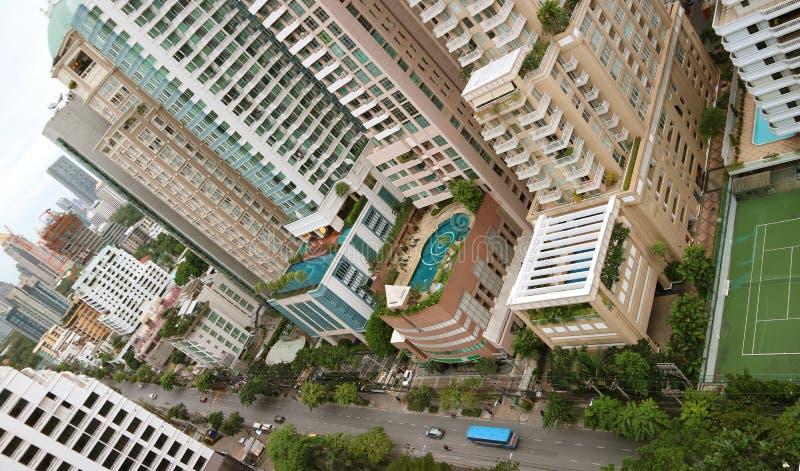 Vue aérienne impressionnante des bâtiments modernes du centre ville de Bangkok, la capitale de la Thaïlande images stock