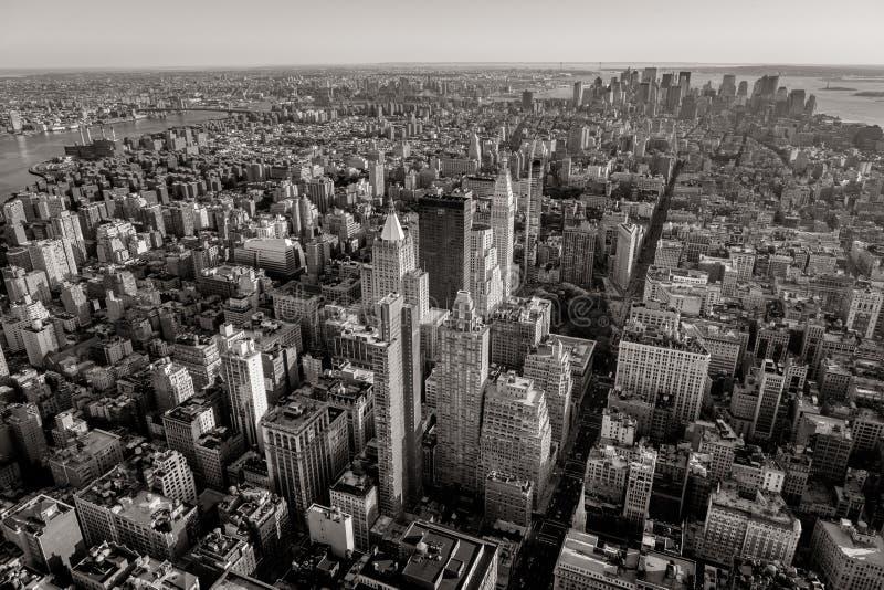 Vue aérienne noire et blanche du paysage urbain de New York image libre de droits
