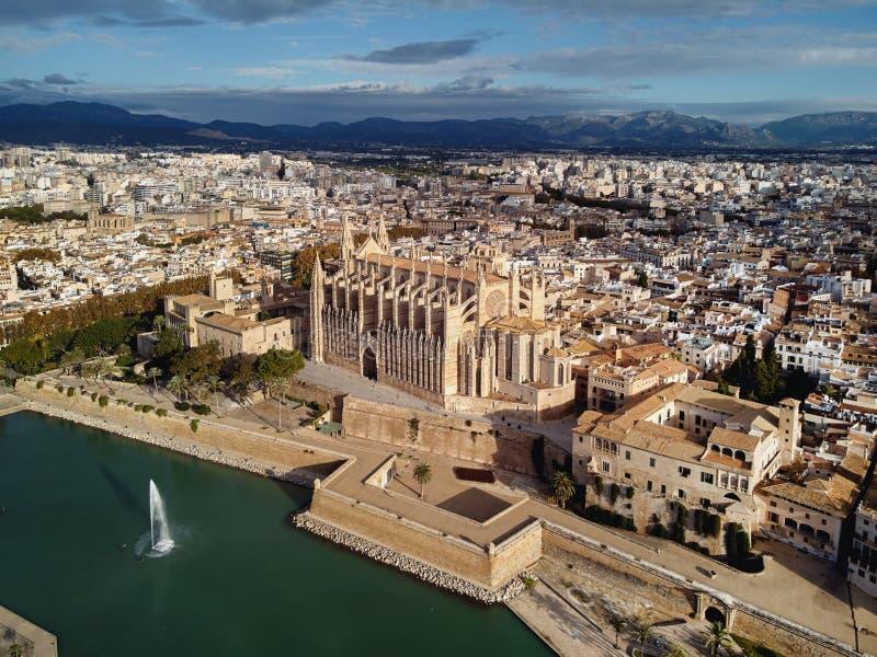 Vue aérienne Palma de Mallorca Cathedral et paysage urbain l'espagne images stock