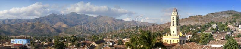 Vue aérienne panoramique sur le Trinidad avec Lucha Contra Bandidos, Cuba photos stock