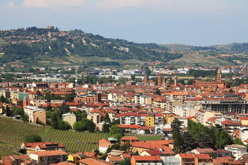 Vue aérienne sur alba. Piémont, Italie. image libre de droits