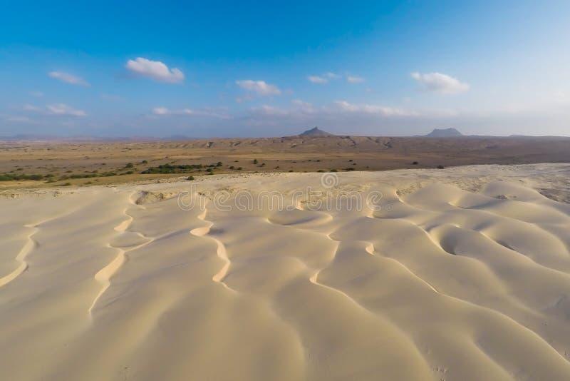 Vue aérienne sur des dunes de sable en plage Praia de Chaves de Chaves en BO photographie stock libre de droits