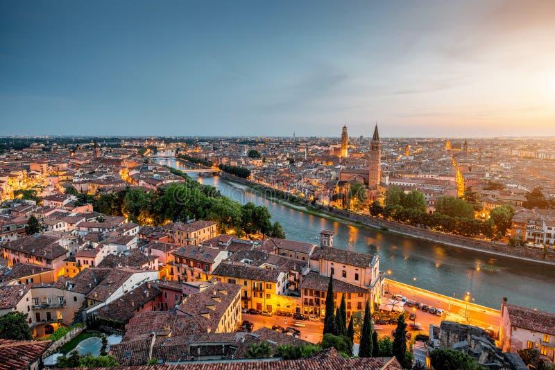 Vue aérienne sur la ville de Vérone photographie stock libre de droits