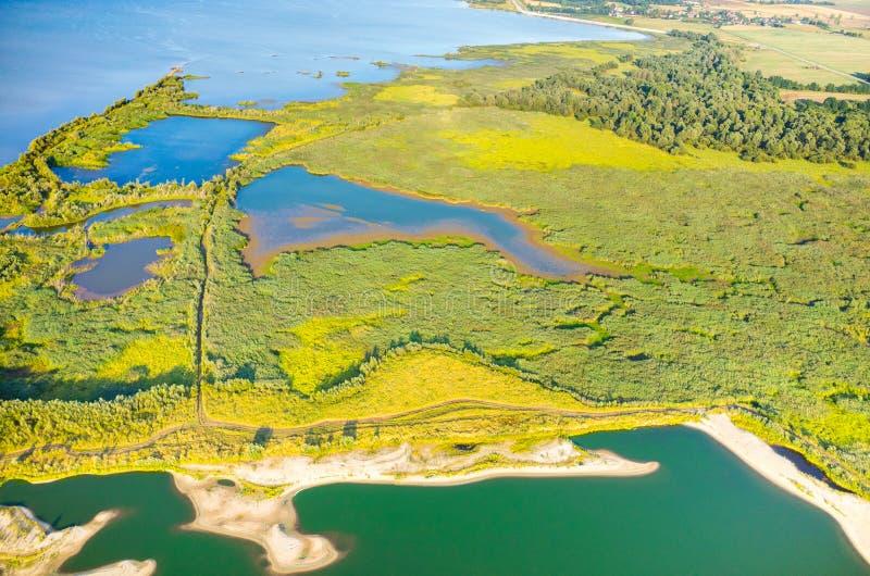 Vue aérienne sur le lac images libres de droits