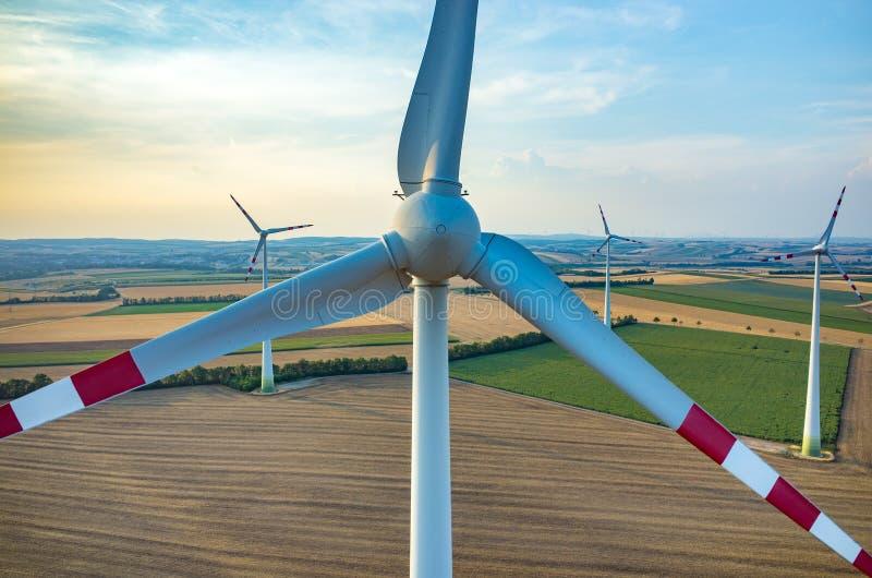 Vue aérienne sur les moulins à vent images stock