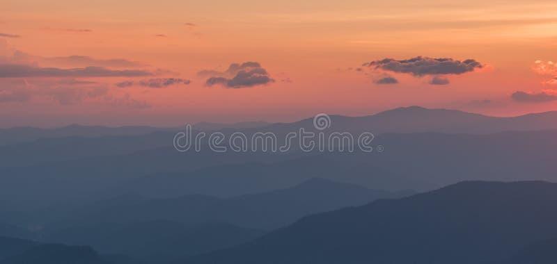 Vue après coucher du soleil dans Great Smoky Mountains photos libres de droits