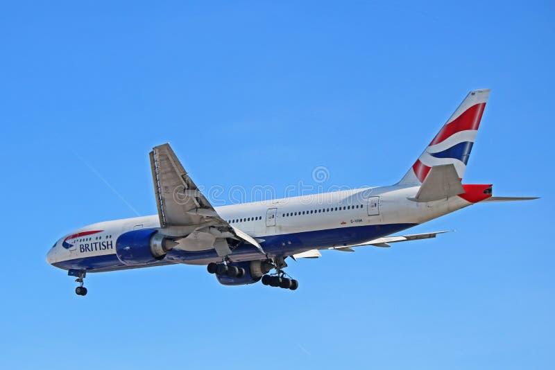 Vue arrière de côté de British Airways Boeing 777-200ER photos libres de droits