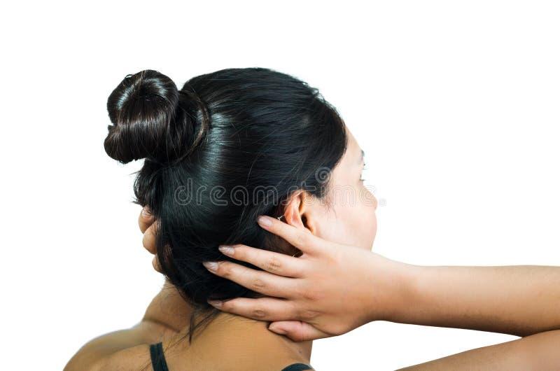 Vue arrière de fille de brune avec le petit pain de cheveux images stock