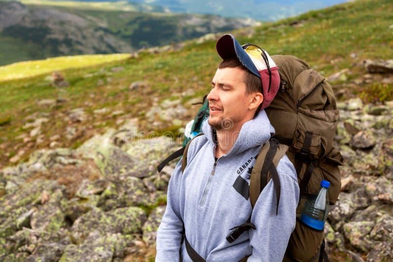 Vue arrière de mode de vie de voyage et de concept de survie images stock