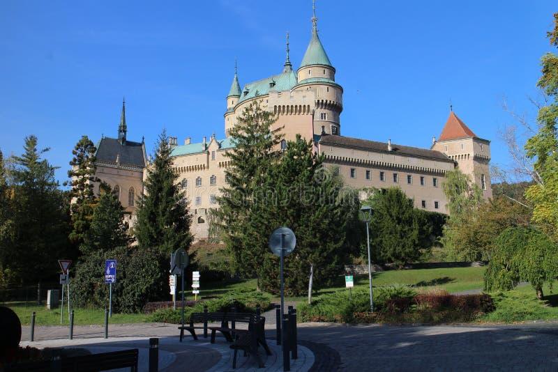 Vue au château de Bojnice images stock