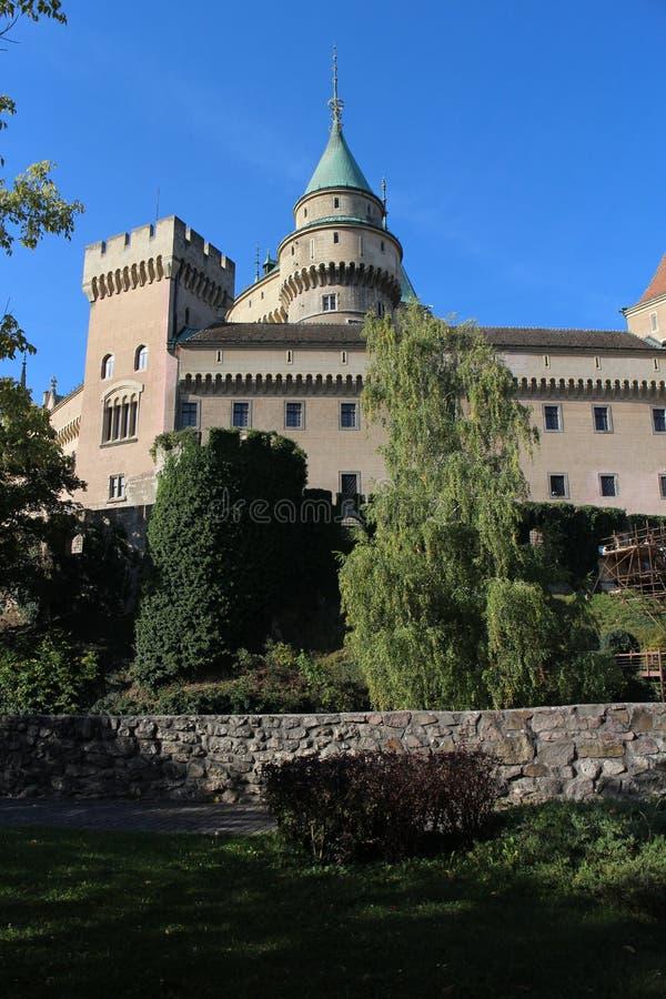 Vue au château de Bojnice photographie stock