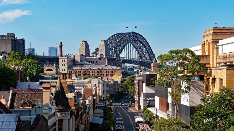 Vue au-dessus d'enceinte de roches au pont de port de Sydney, Australie photo stock