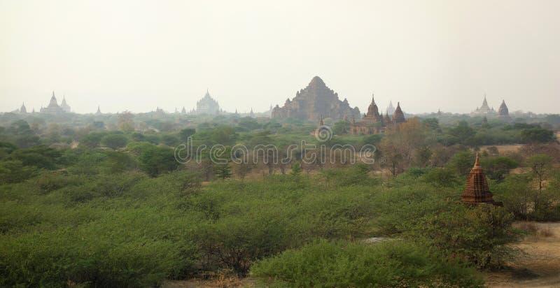 Vue au-dessus de Bagan, Myanmar photo libre de droits