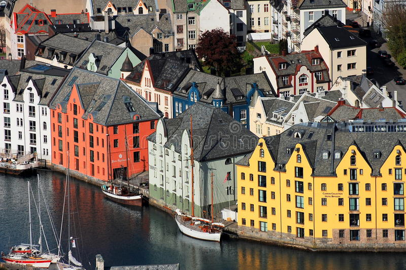 Vue au-dessus de la ville du lesund de Ã…, Norvège image stock