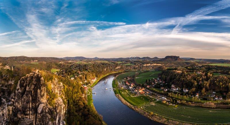 Vue au-dessus de Rathen photographie stock libre de droits