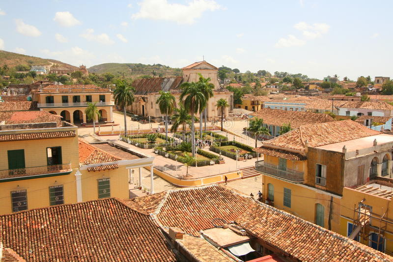 Vue au-dessus de ville du Trinidad image stock