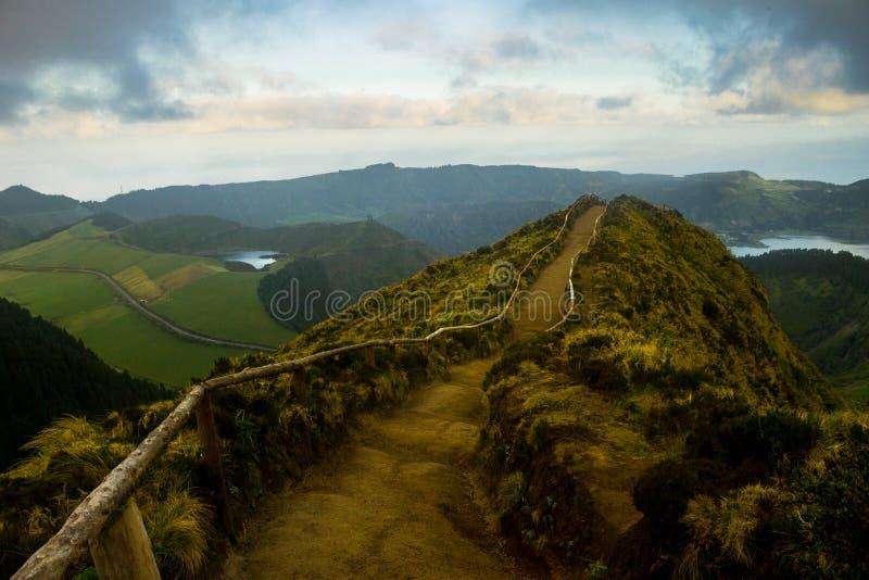 Vue au-dessus de Volcano Lakes photo libre de droits