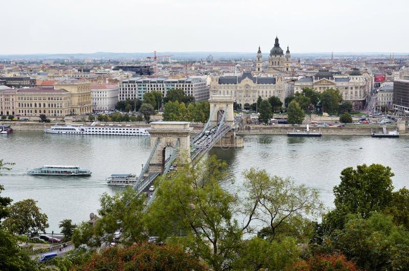 Vue au-dessus du Danube et de la ville de Budapest photo libre de droits