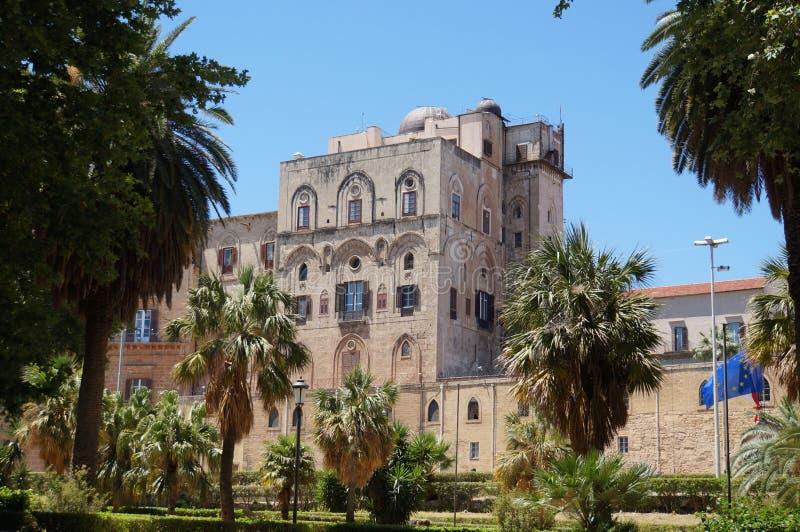 Vue au-dessus du palais des Normands à Palerme image libre de droits