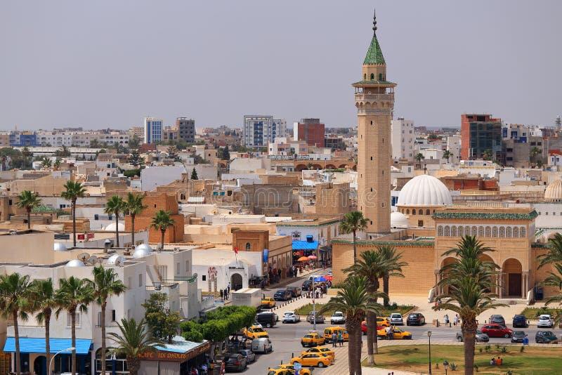 Vue au minaret de la mosquée de Bourguiba dans Monastir photographie stock libre de droits