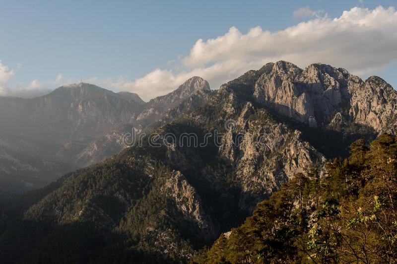 Vue aux collines en canyon de Goynuk, Turquie images stock