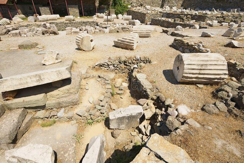 Vue aux ruines du mausolée de Mausolus, une des sept merveilles du monde antique dans Bodrum, la Turquie image libre de droits