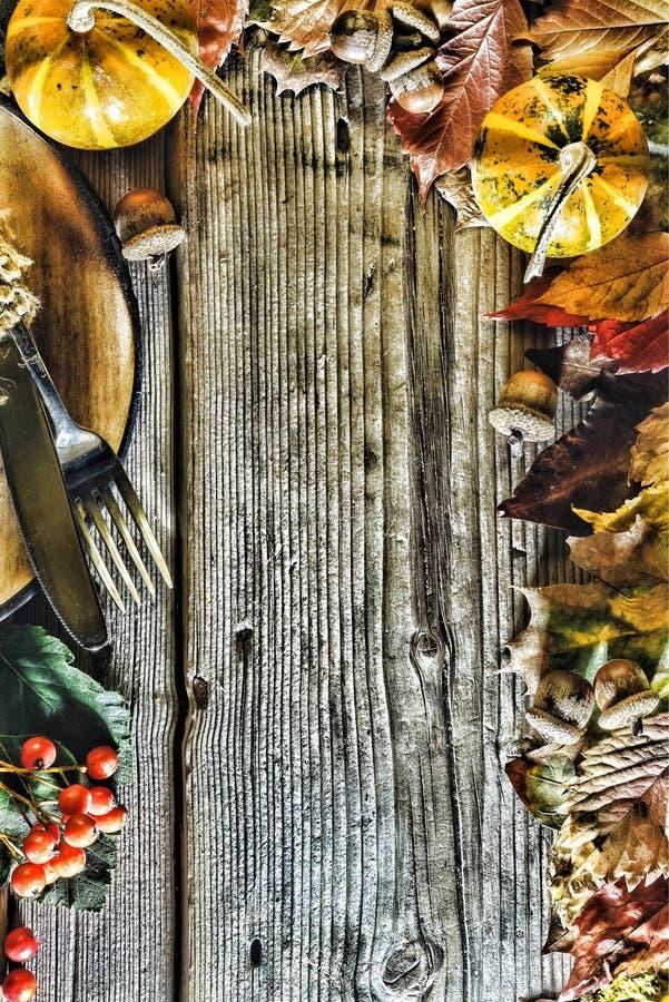 Vue avec les ingrédients saisonniers dans le jour de thanksgiving images libres de droits