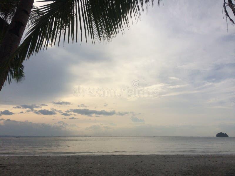 Vue blanche de plage d'Ivisan photos libres de droits
