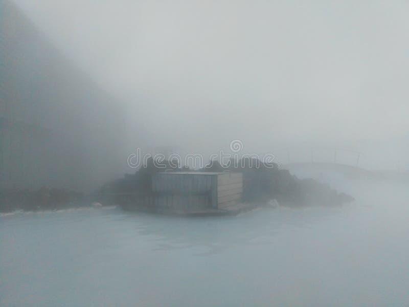 Vue bleue de lagune de l'Islande de l'extérieur photographie stock