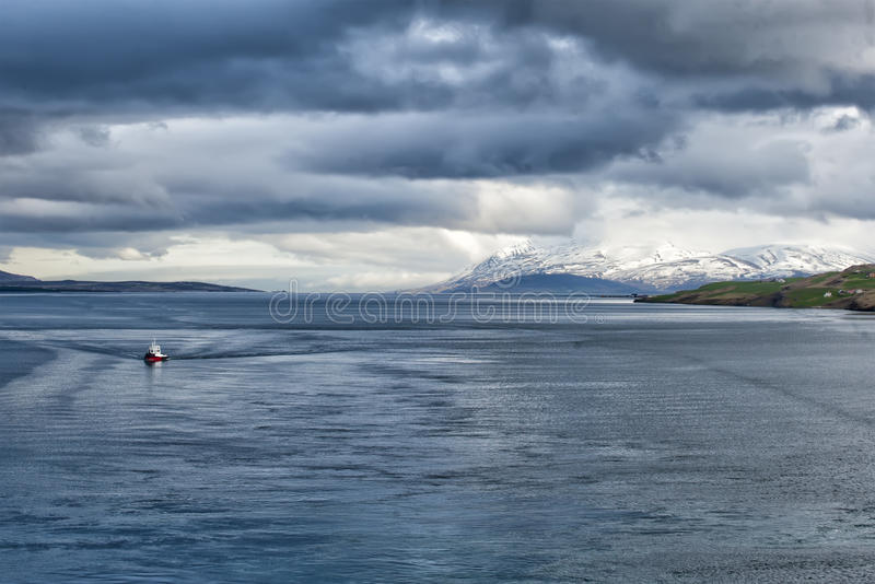 Vue côtière d'Akureyri Islande photos stock