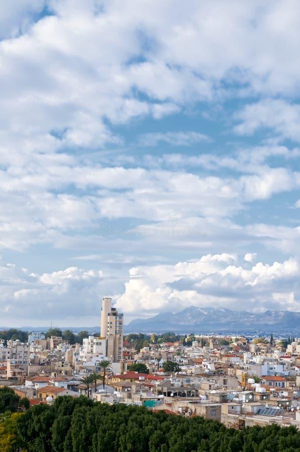 Vue courbe à la ville de Nicosia photographie stock