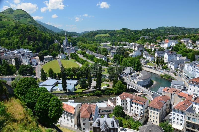 Vue d'été de Lourdes image libre de droits