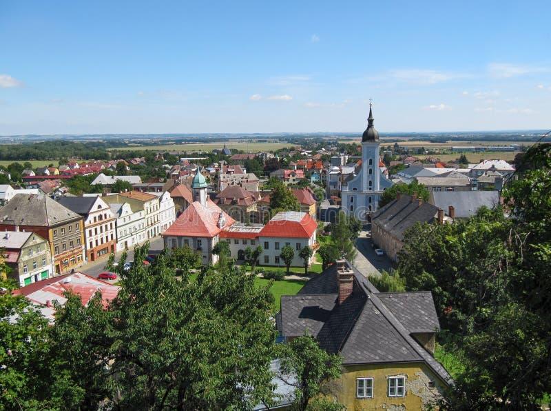 Vue d'été de ville de Javornik photos libres de droits