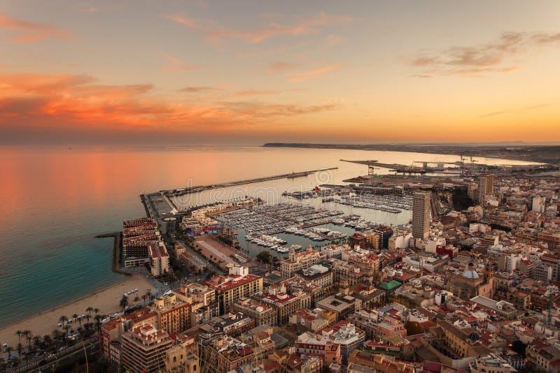 Vue d'Alicante au coucher du soleil photo libre de droits
