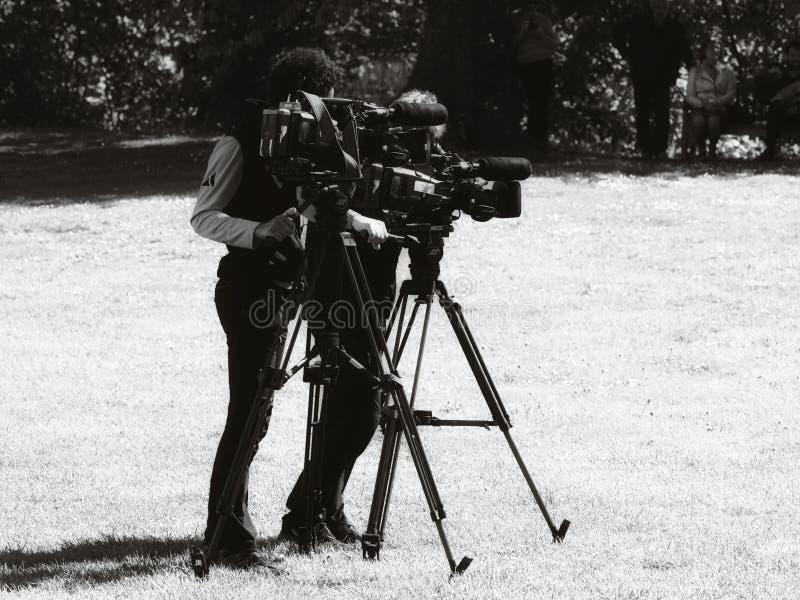 Vue d'angle avant de caméra vidéo numérique de la haute définition production de enregistrement ou de tir qui de publicité télévi photographie stock libre de droits