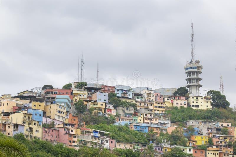Vue d'angle faible de Cerro Santa Ana à Guayaquil Equateur photographie stock
