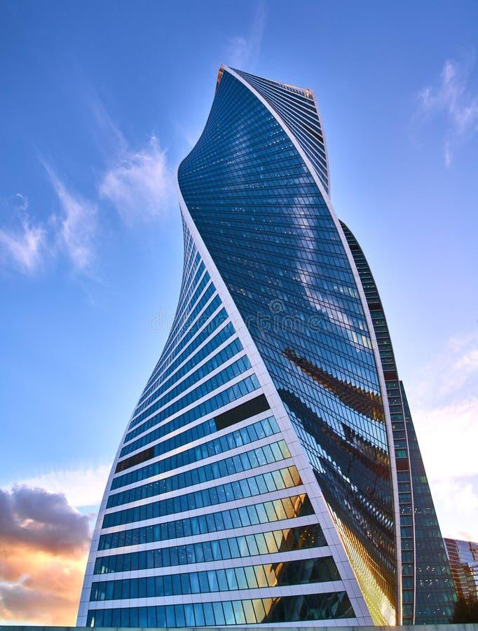 Vue d'angle faible des gratte-ciel de Moscou-ville, Russie La Moscou-ville est un nouveau district des affaires au centre de Mosc images libres de droits
