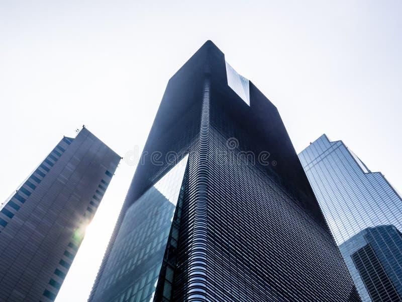 Vue d'angle faible des gratte-ciel modernes à Séoul, Corée du Sud Perspective de dessous images libres de droits