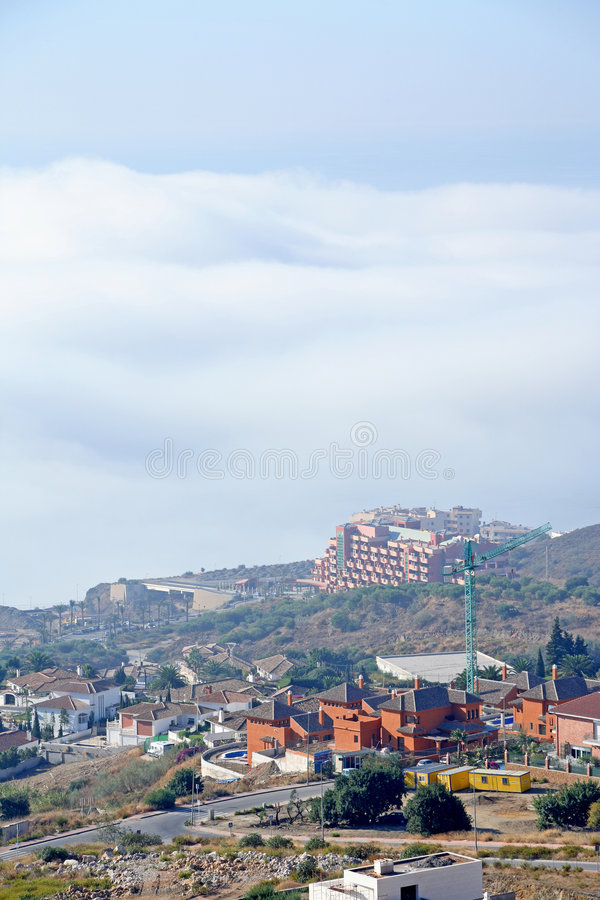 Vue d'Arial de chantier, de villas et de grues de construction images libres de droits