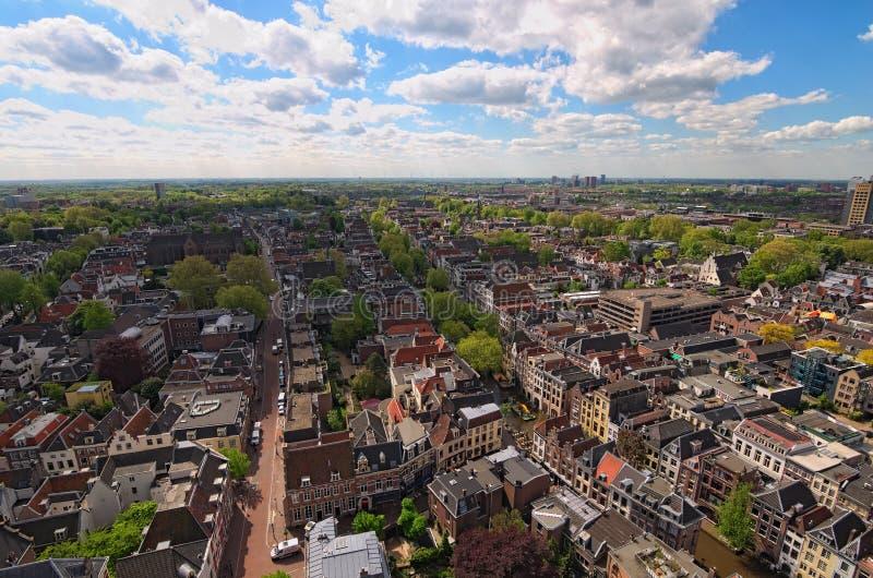Vue d'Arial du haut de la tour du St Martins Cathedral au jour ensoleillé Utrecht, Hollandes photographie stock libre de droits